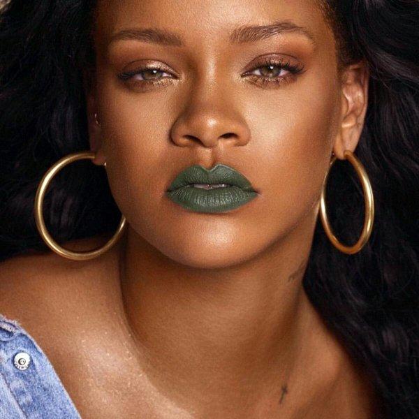 rihana-for-mattemoiselle-her-fenty-cosmetics-brand-s-new-lipstick-line12-19-2017-3-418895547.jpg
